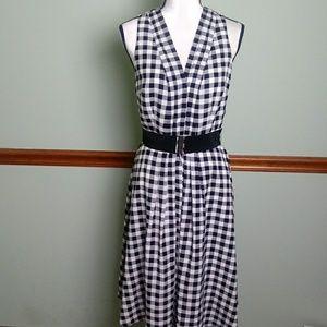Ann Taylor size 6 button front dress